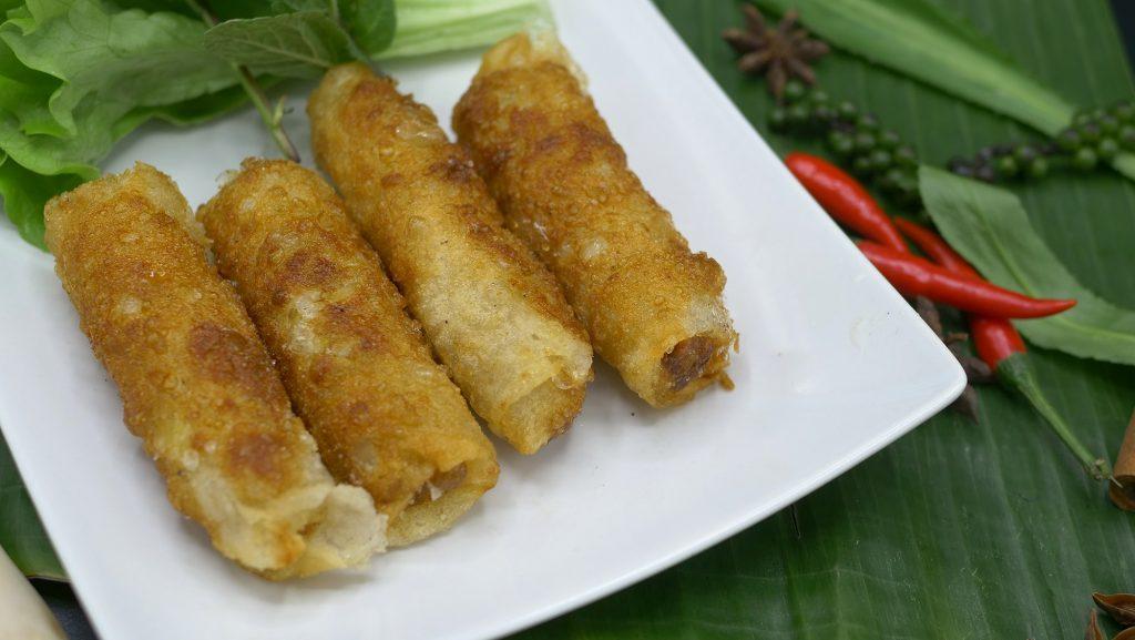 Parfums d'asie avec les nems au poulet | Restaurant Paris 8ème
