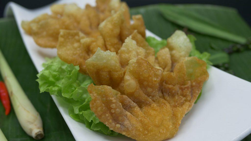 Cuisine Chinoise avec les raviolis croustillants aux crevettes